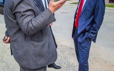 """Ministru prezidents Krišjānis Kariņš apmeklējot Siguldu, viesojās arī mūsu """"Siguldas Māju"""" kvartālā"""